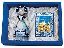Подарочный набор «Гжельские мотивы»: кукла декоративная, шоколадные конфеты «Конфаэль» (арт. 13513)