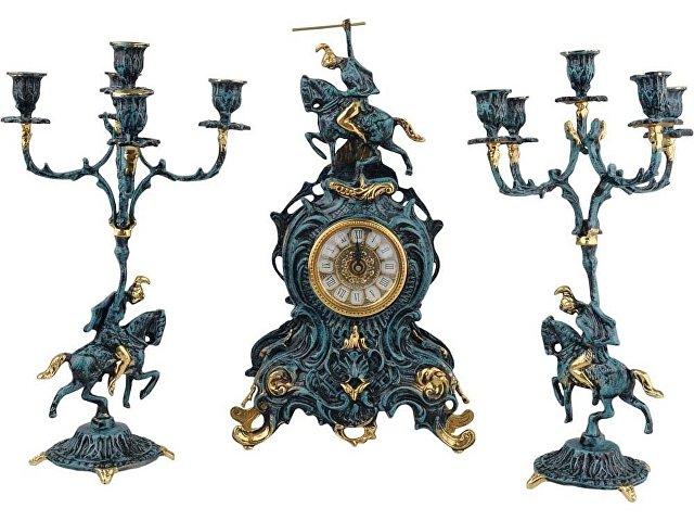 Композиция «Победитель»:  интерьерные часы с подсвечниками
