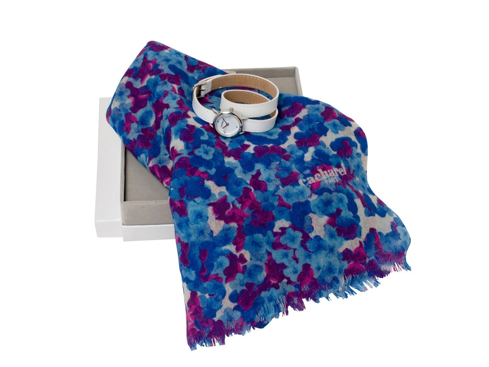 Подарочный набор Tourbillon: шарф, часы наручные. Cacharel