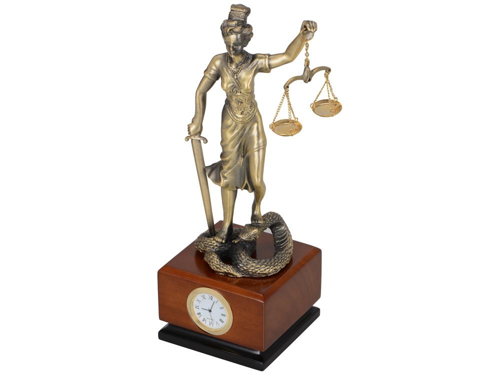 Часы Фемида на деревянной подставке