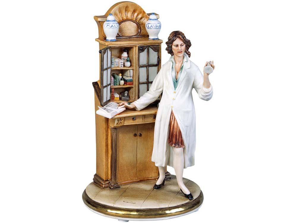 Скульптура Фармацевт